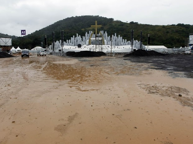 Terrenos en Guaratiba, ¿dónde está el campo de la fe, está inundado por las lluvias en Río (Foto: André Mourão / Agencia Día / Estadão contenido)
