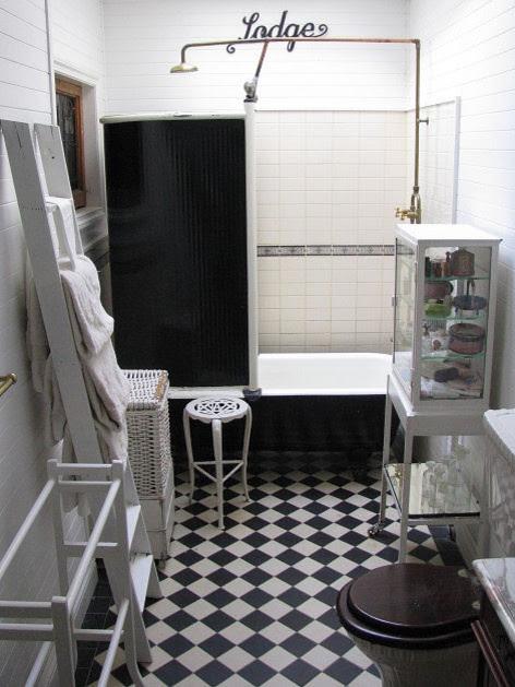 Time Worn Style ~ Black & White Bathroom