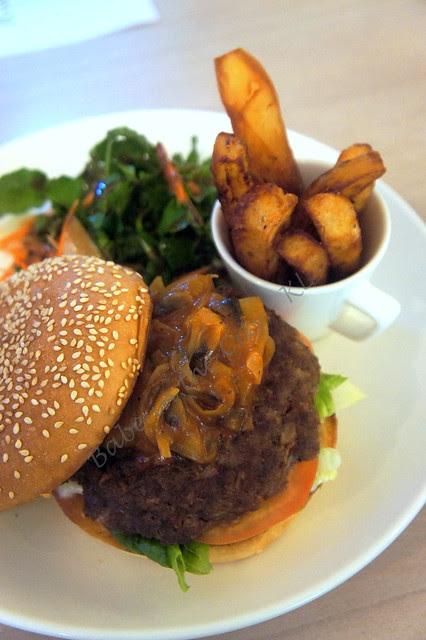 BLT Burger RM25.00