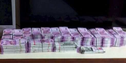 Image result for lot of new 2000 new notes catches in india
