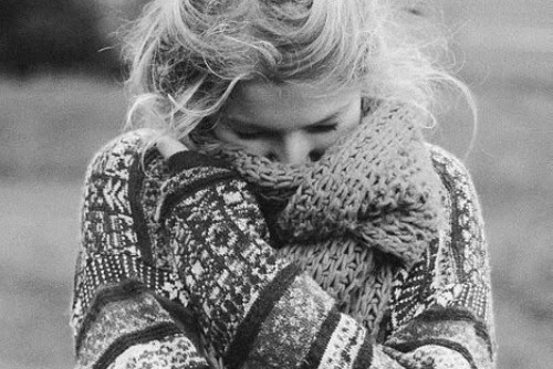 bewithmeforeverandever:  it's cold. gnwkrewkgwmhk.