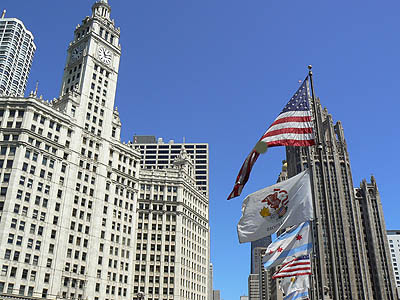 wrigley et tribune towers.jpg