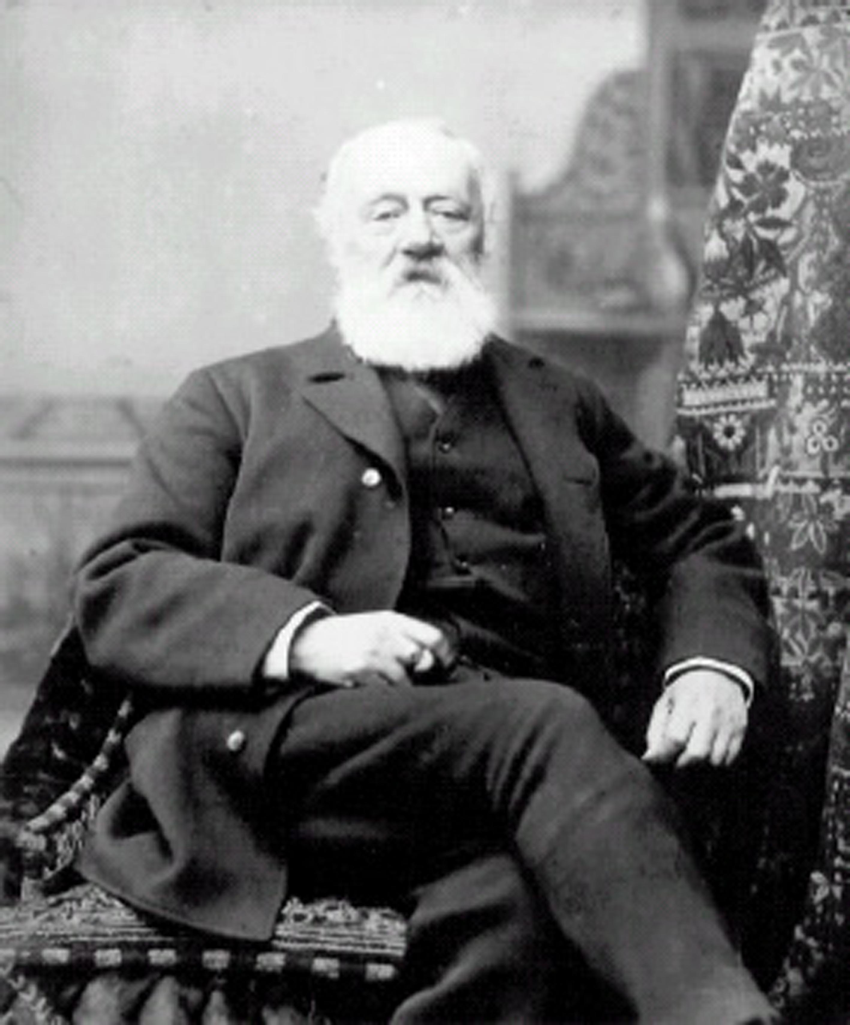 http://upload.wikimedia.org/wikipedia/commons/7/75/Antonio_Meucci.jpg