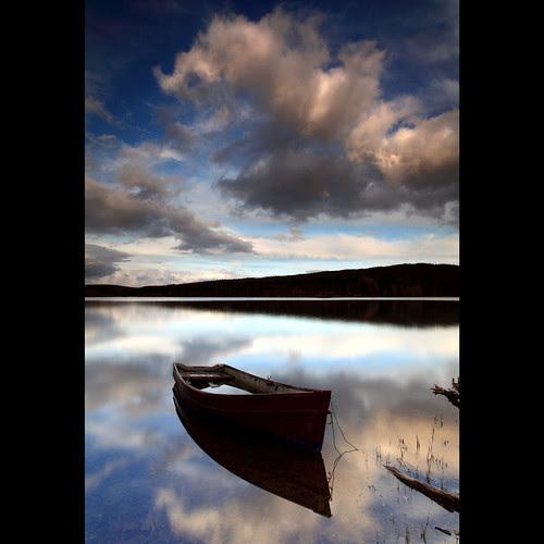 Boat - Kennard Loch por angus clyne