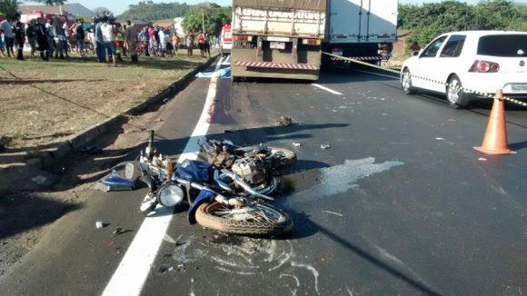 Local do acidente que resultou na morte de duas pessoas em Jaciara - Foto: Miriam Trento / AGORA MT