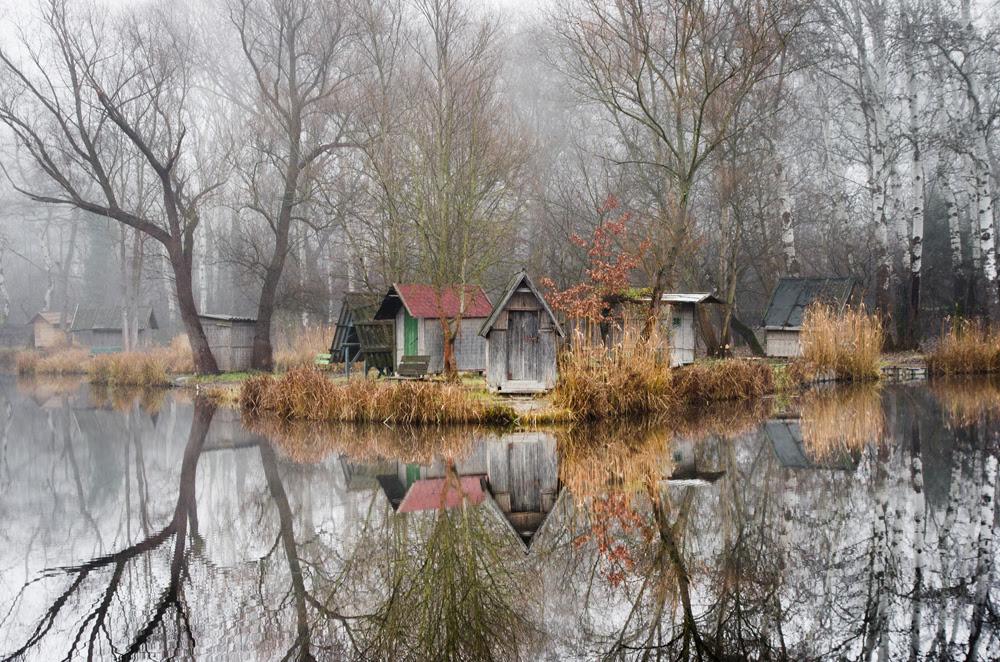 http://www.thisiscolossal.com/2016/02/budapest-fishing-village/?utm_source=feedly&utm_medium=webfeeds