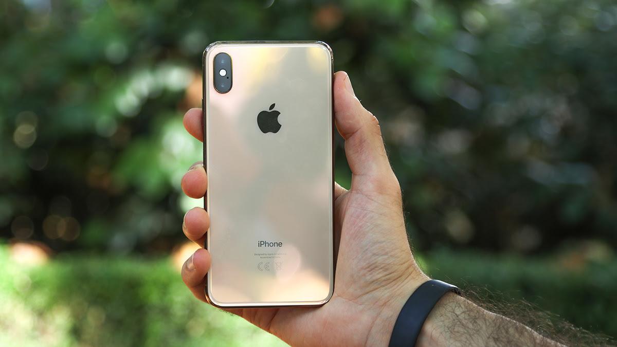 iPhone XS 64GB or 256GB
