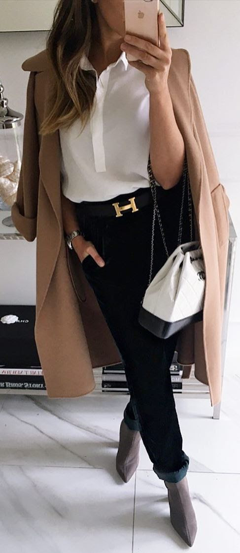 how to wear a nude coat : boots + bag + white shirt + jeans