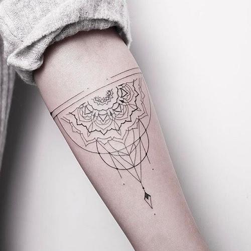 15 Extraordinary Line Work Tattoos - Line Tattoos Design Ideas