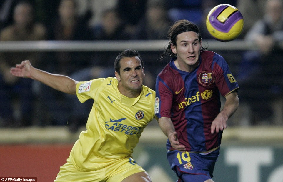 Messimanaged to score 16 goals during the 2007–08 season but failed to help Barcelona to success with major trophies