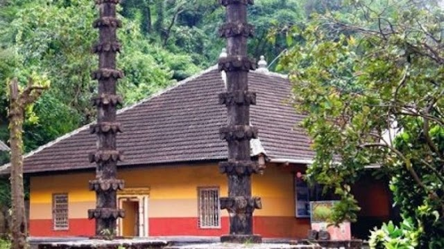 दो समुद्री तटों और चार पहाड़ियों के बीच स्थित रायगढ़ का हरिहरेश्वर मंदिर, जहाँ विराजमान हैं पेशवाओं के कुलदेवता
