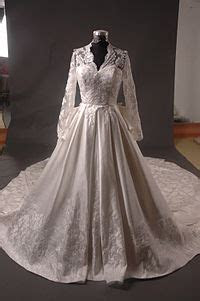 Wedding dress of Catherine Middleton   Wikipedia