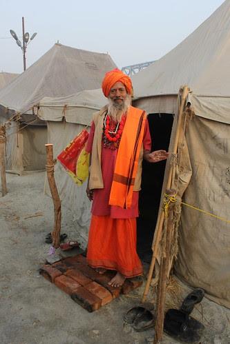My Naga Guru Shree Vijay Giri Maharaj Triveni Panch Dasham Juna Akhada by firoze shakir photographerno1
