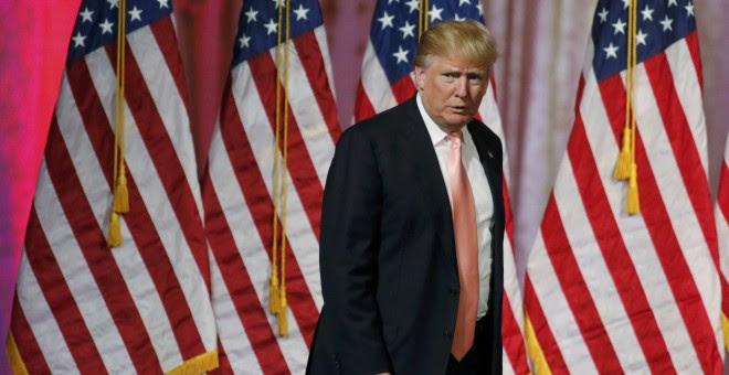 El aspirante republicano a la Presidencia de los EEUU Donald Trump se dirige a dar un discurso tras su victoria en las primarias de Florida, Ohio,  Carolina del Norte, Illinois y Missouri. REUTERS/Joe Skipper