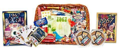The 25  best Anniversary gift baskets ideas on Pinterest