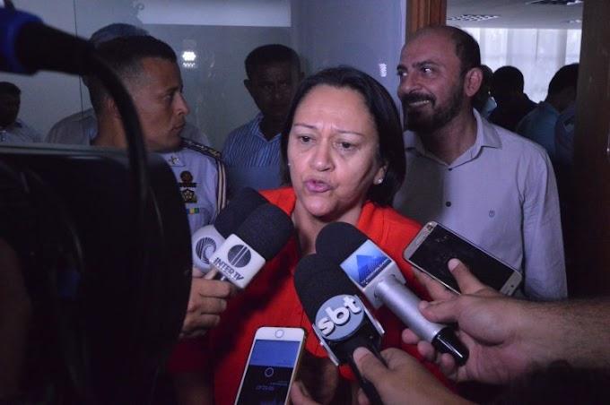Governadora reúne servidores e assegura início de pagamento dos atrasados
