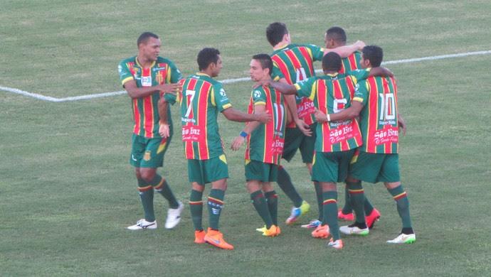 Gol de Robert, Ceará, Sampaio Corrêa (Foto: Juscelino Filho)