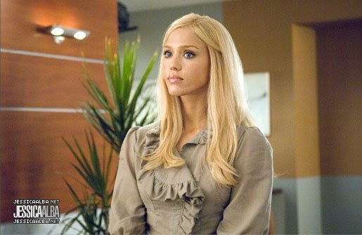 http://images2.fanpop.com/images/photos/6800000/Jessica-in-Fantastic-Four-Rise-Of-The-Silver-Surfer-jessica-alba-6878461-515-335.jpg