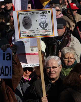 Una de las últimas protestas a favor del trabajo de Baltasar Garzón. Miguel García