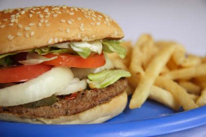 Perierga.gr - Το «πλαστικό» φαγητό μειώνει το IQ