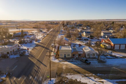 TREND ESSENCE:The Small Colorado Town felt insulated from the Pandemic. Then Came the Coronavirus Variant.