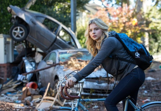 http://i.blogs.es/a946ef/la-quinta-ola-pelicula-the-5th-wave-imagen-del-trailer-chloe-grace-morez/650_1200.jpg