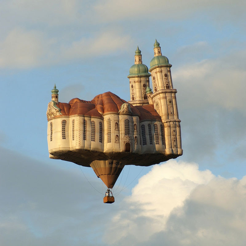 Flying-Cathedral-by-Jan-Kaeser-and-Matin-Zimmermann-hot-air-balloon-Church-of-the-Monastery-of-St-Gallen