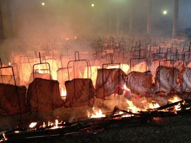 Paraná: Festa do Trabalhador de Cascavel tem almoço com 518 costelões (Foto: Cassiane Seghatti/G1 PR)