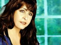 Shirley Carvalhaes é a mais nova contratada da gravadora Sony Music
