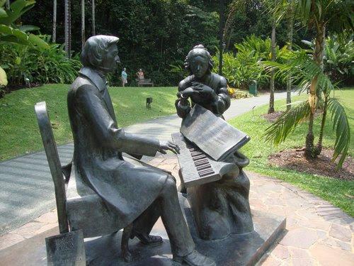 Статуята на Шопен
