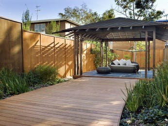 Courtyard, walled outdoor area ideas