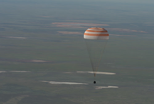 Expedition 35 Landing (201305140006HQ)