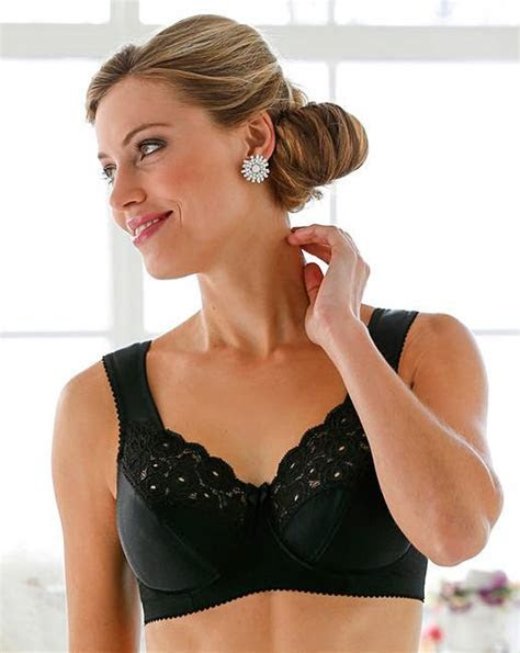 Miss Mary Full Cup Wired Black Bra   J D Williams
