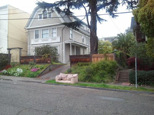 Couch at 386 Euclid in Oakland Reflects Lack Of Pride Of Place