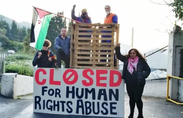 """Manifestantes bloquean en Nueva Zelanda la entrada a """"Ravensdown"""" en protesta por la importación de """"fosfato de sangre"""" del Sáhara Occidental ocupado"""