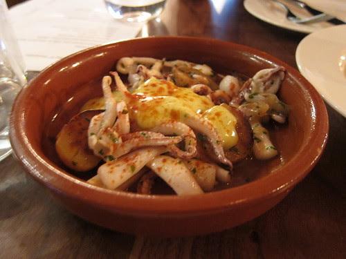 Squid, allioli, potatoes