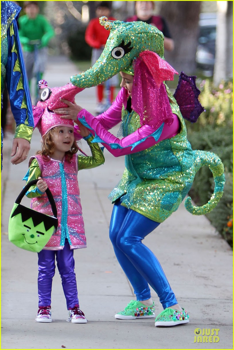 alyson hannigan alexis denisof seahorse halloween couple 03