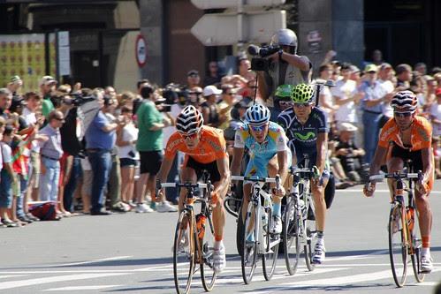 Igor Antón al frente de La Vuelta por Bilbao