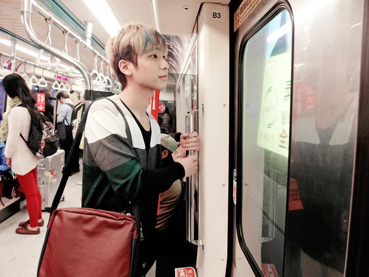typicalben on taipei train