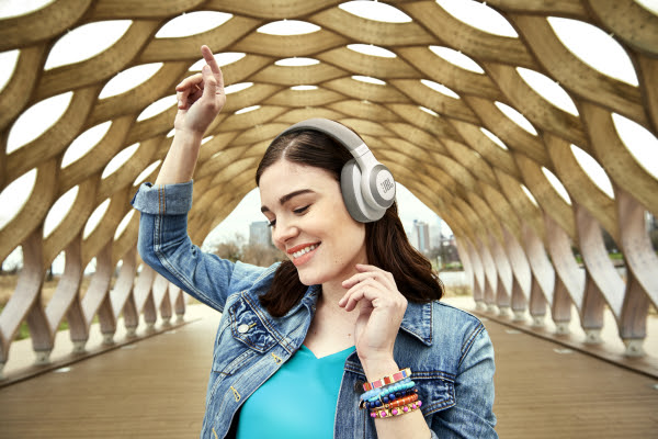JBL E65BTNC, auriculares con sonido de calidad y cancelación de ruido