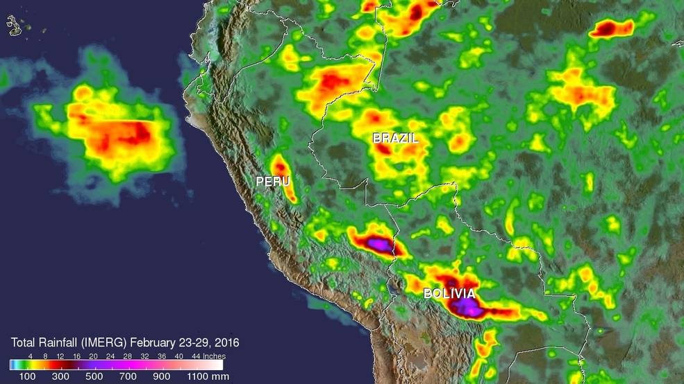 map of bolivia and peru with red/green rainfall data