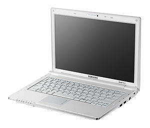 Samsung NC20 - Lid Open - Side View
