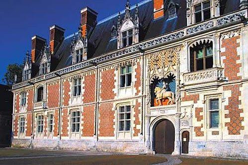 aile Louis XII - statue équestre du roi
