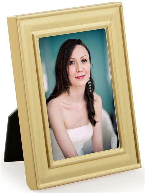 """Molded Picture Frame   Gold Display for 2"""" x 3"""" Prints"""