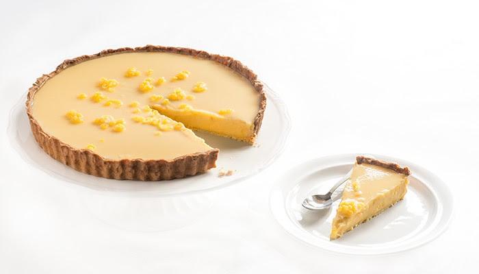 Tarta francesa de limón con base de masa quebrada