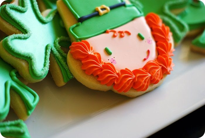 how to make the cutest decorated leprechaun cookies for St. Patrick's Day!