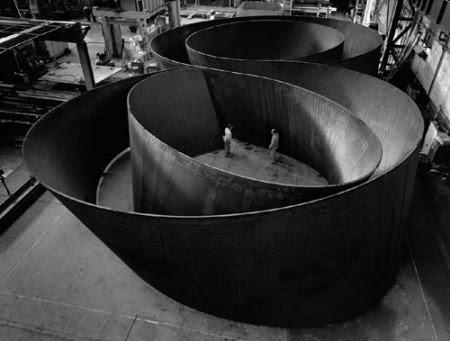 richard-serra-exhibit-01