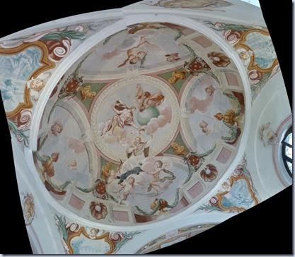 25 strop v kapeli