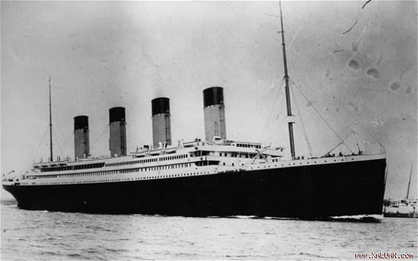 Tàu Titanic.