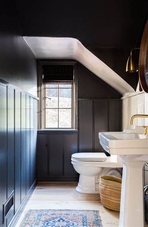 modern small bathroom trends  create  optical